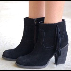 Anthropologie Sbicca Finge Ankle Booties